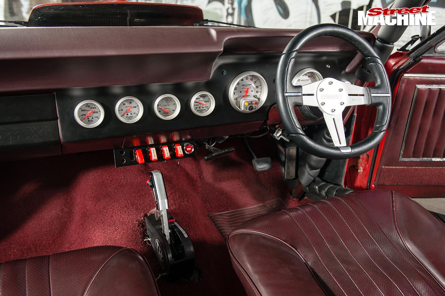 Ford -xt -falcon -interior -dash