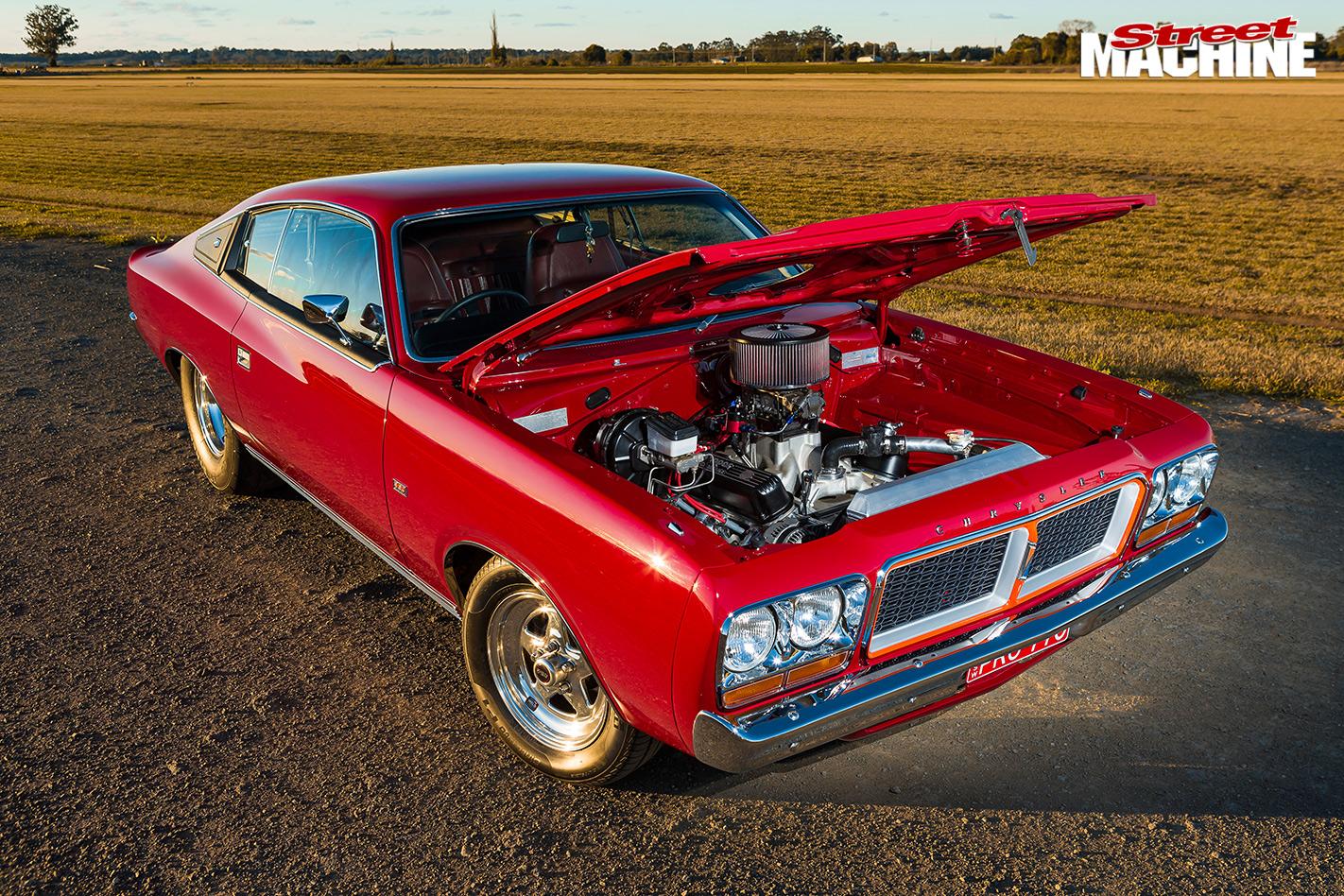 Chrysler -cl -charger -bonnet -up