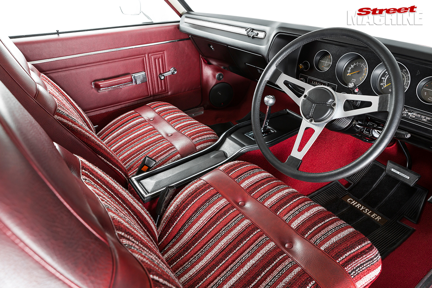 Chrysler -cl -charger -interior -front