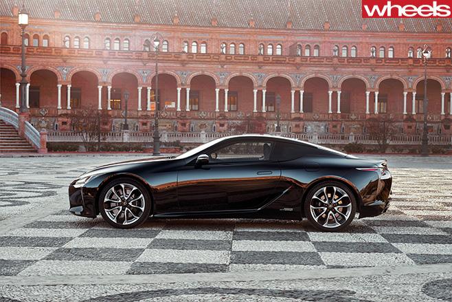 2016-Lexus -LC500h -side