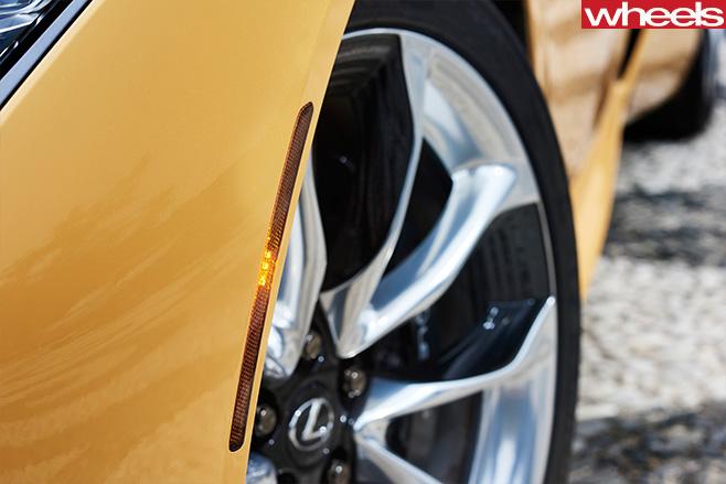 2016-Lexus -LC500-front -wheel
