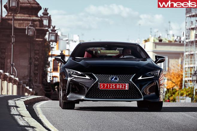 2016-Lexus -LC500h -Dynamic -Front