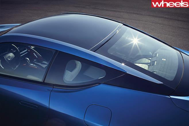 2016-Lexus -LC500h -roof