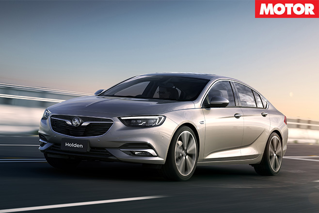 2018 holden commodore driving