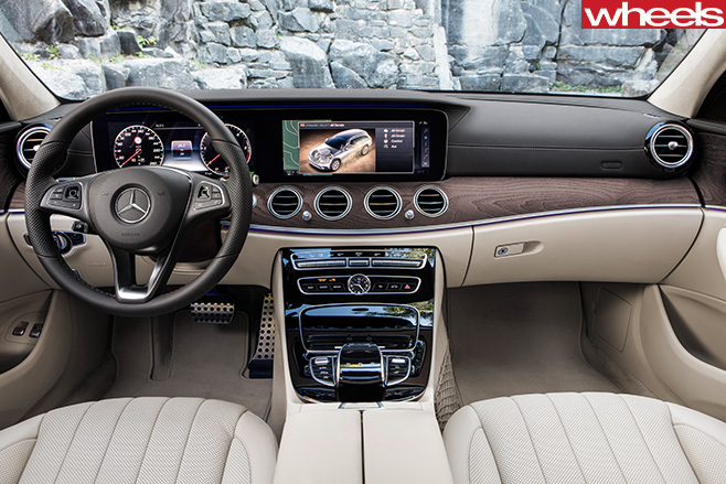 Mercedes -Benz -E-Class -All -Terrain -2017-interior