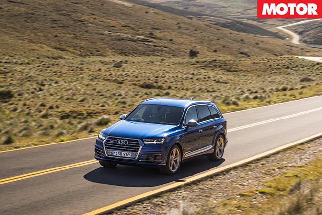 2017 Audi SQ7 TDI driving