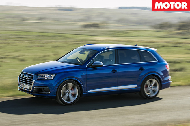 2017 Audi SQ7 TDI review side