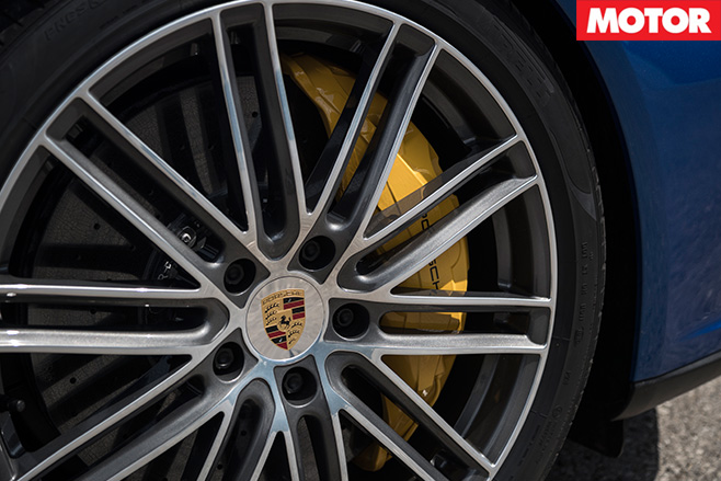 2016-Porsche -Panamera -Turbo -Review -wheel