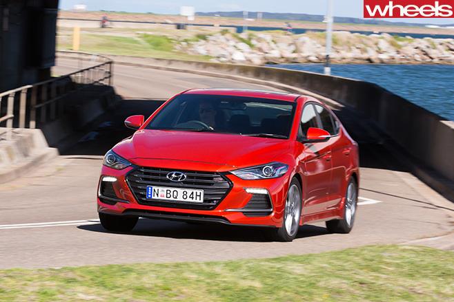 2016-Hyundai -Elantra -SR-driving -front