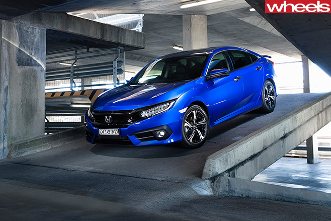 2016-Honda -Civic -RS-side -front