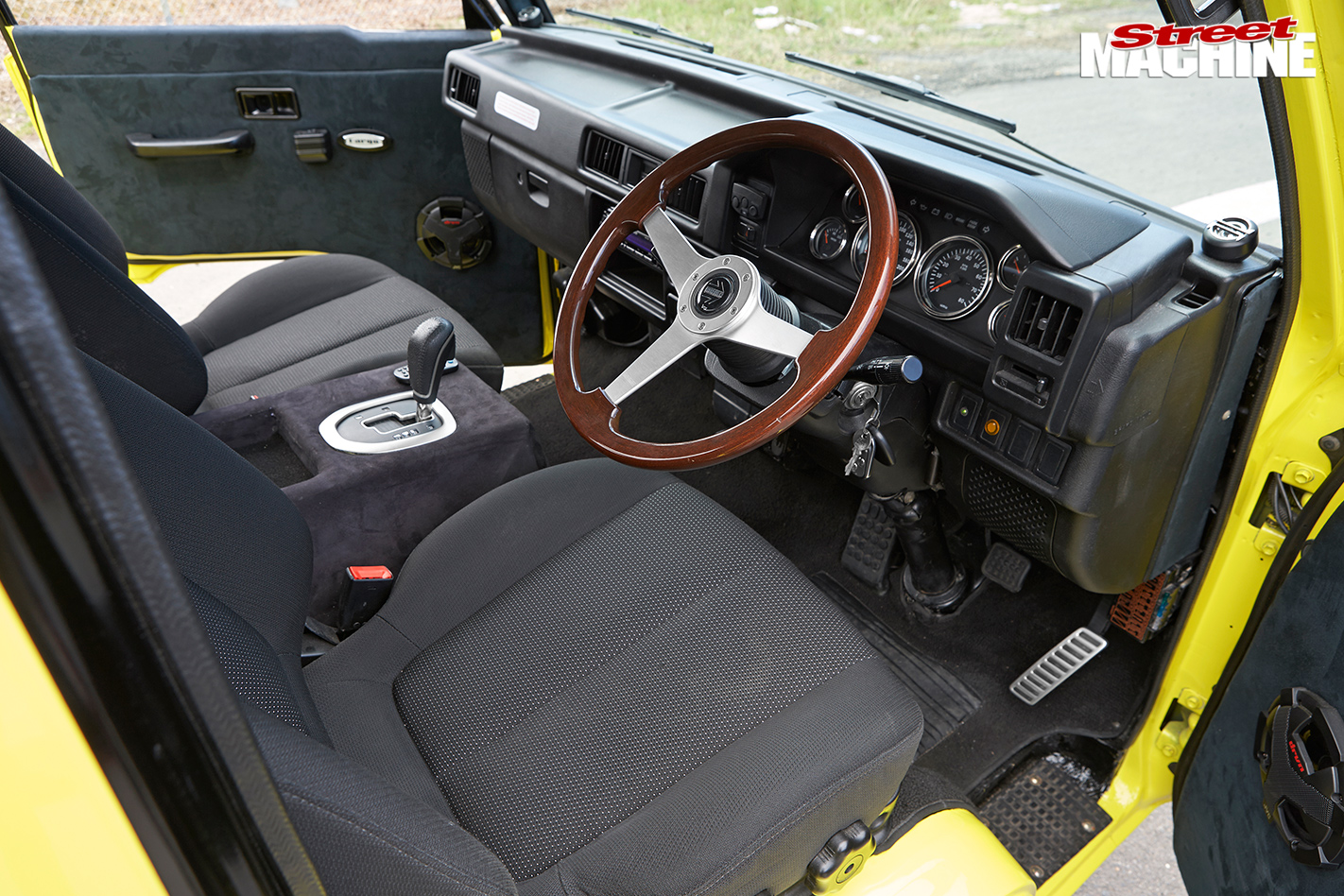 Mitsubishi Fargo Replica Interior