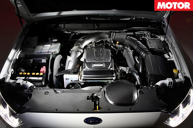 People 's -Performance -Car -of -2016-Ford -Falcon -XR6-Sprint -engine