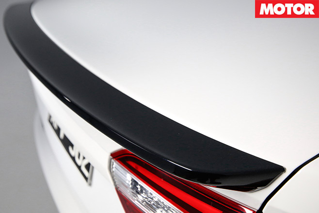 People 's -Performance -Car -of -2016-Ford -Falcon -XR6-Sprint -spoiler