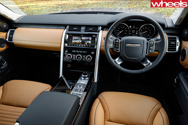 2017-Land -Rover -Discovery -prototype -interior
