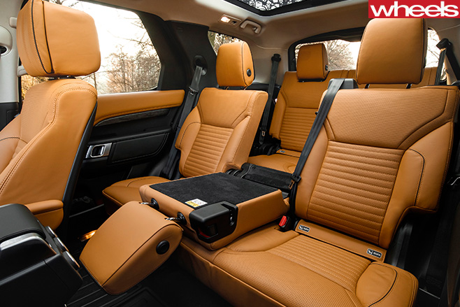 2017-Land -Rover -Discovery -prototype -rear -seats