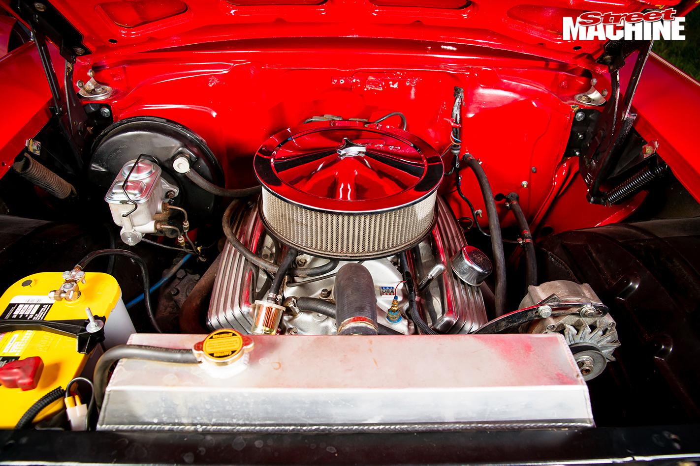 Chevrolet -wagon -engine -bay