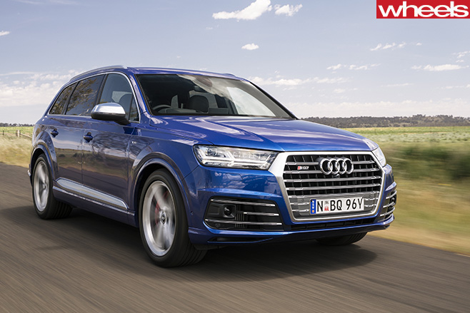 2017-Audi -SQ7-front -side