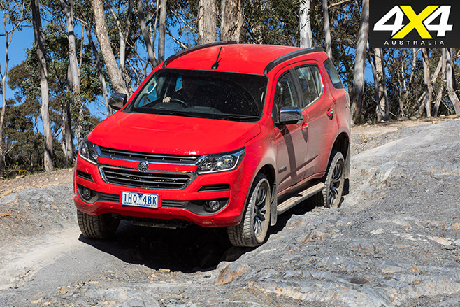 2017 Holden Trailblazer LTZ downhill driving