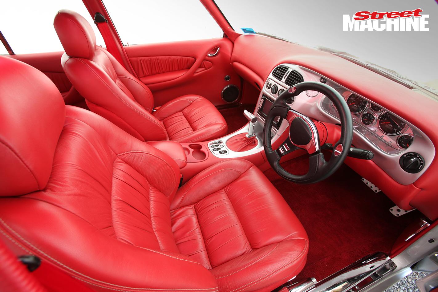 HQ Holden 350 Chev Interior 4