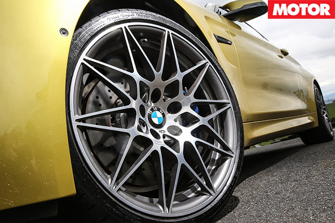 Mercedes -AMG-C63-S-Coupe -vs -BMW-M4-Competition -bmw -wheel