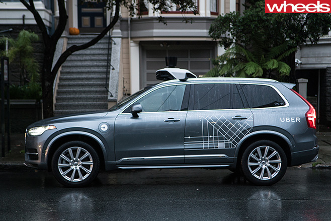 Volvo -XC90-driverless -Uber -side