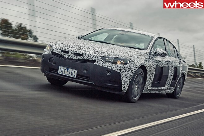 2018-Holden -Commodore -driving -front
