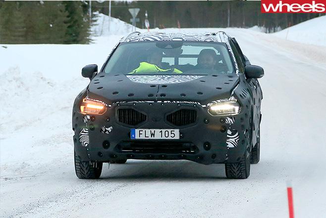 2018-Volvo -XC60-grille