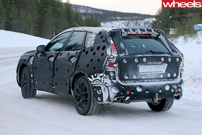 2018 volvo xc60 spy shots. 2018-volvo -xc60-rear -side 2018 volvo xc60 spy shots -