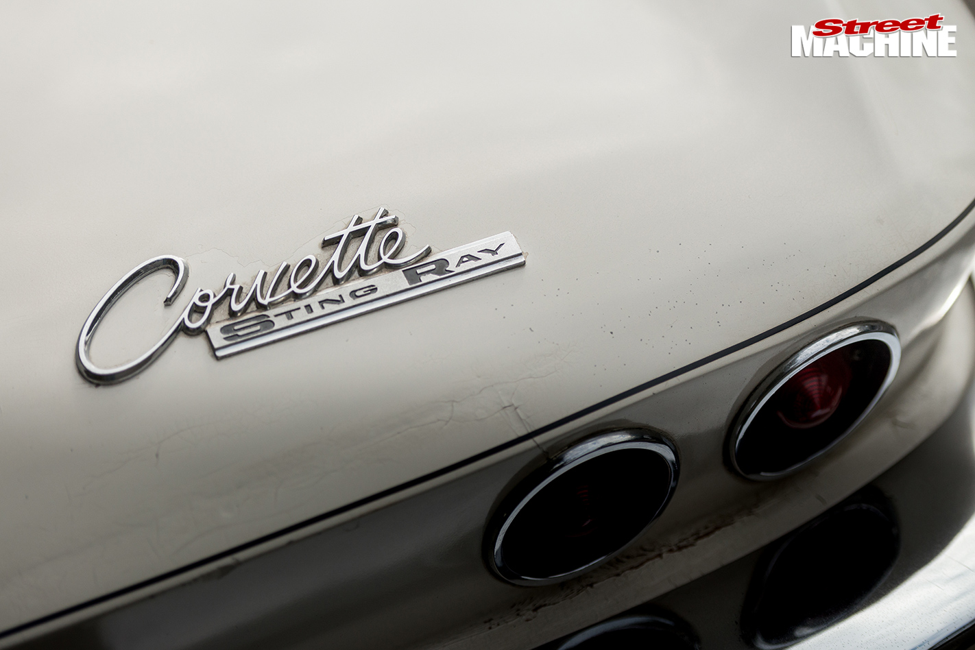 LS3-POWERED-1964-CHEVROLET-CORVETTE-badge