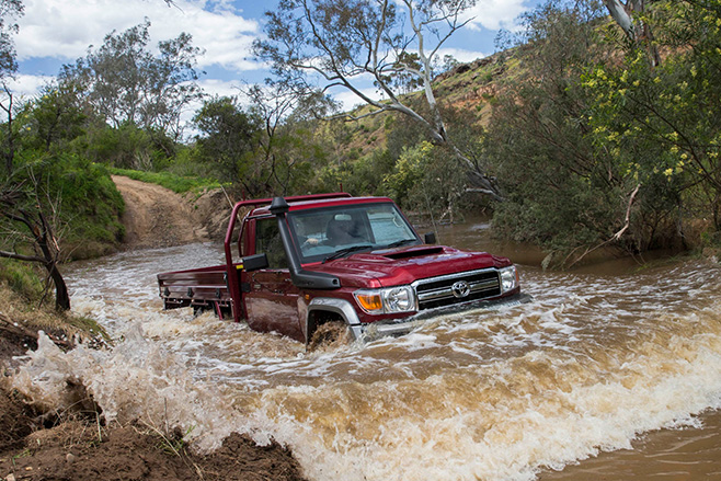 70-series landcruiser water crossing