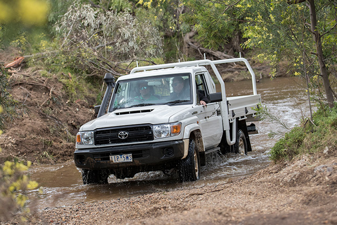 Toyota LC 70 driving front