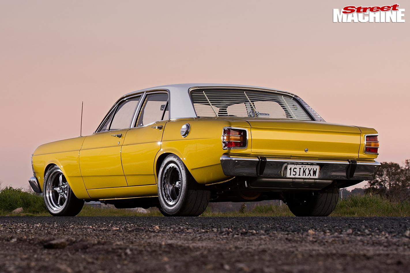 Ford -xs -falcon -rear -angle