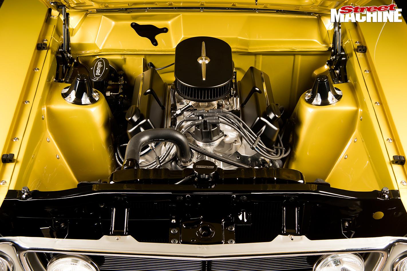 Ford -xw -falcon -engine -bay