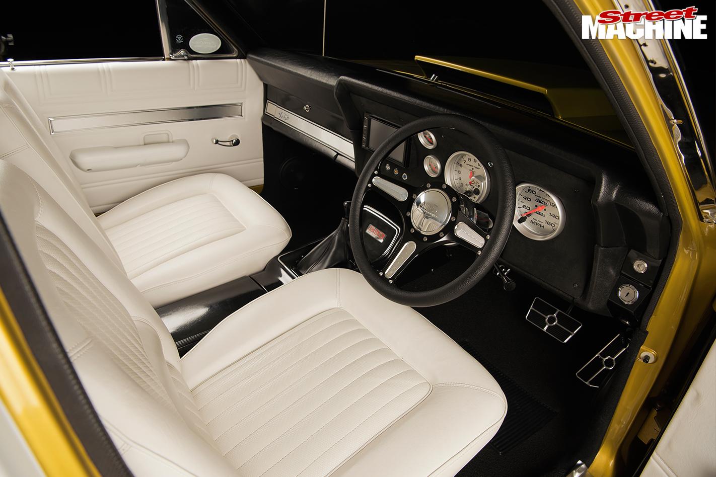 Ford -xw -falcon -interior -front