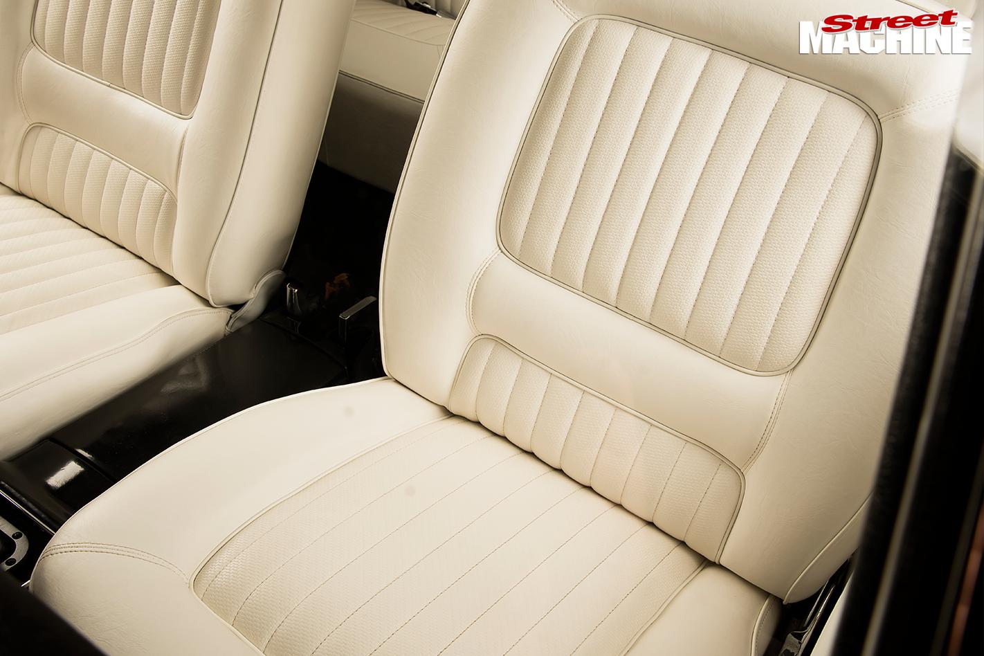 Ford -xw -falcon -interior -rear