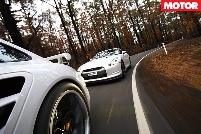 Nissan -GT-R-vs -Porsche -911-GT2-embed -1