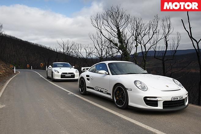 Nissan -GT-R-vs -Porsche -911-GT2-embed -2