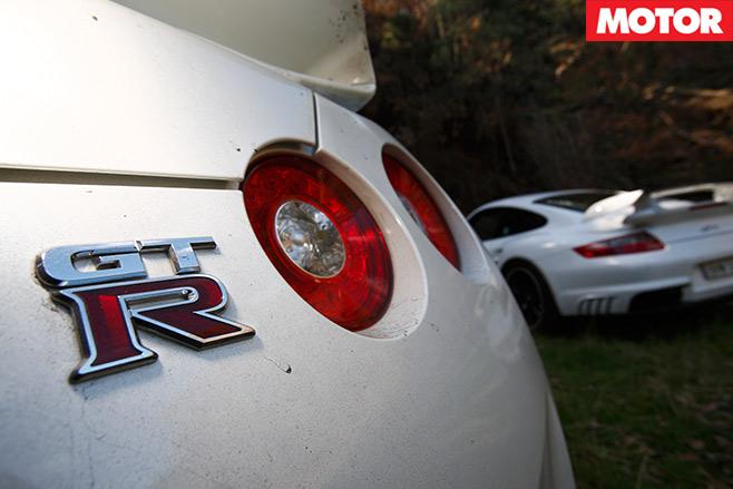 Nissan -GT-R-vs -Porsche -911-GT2-embed -9