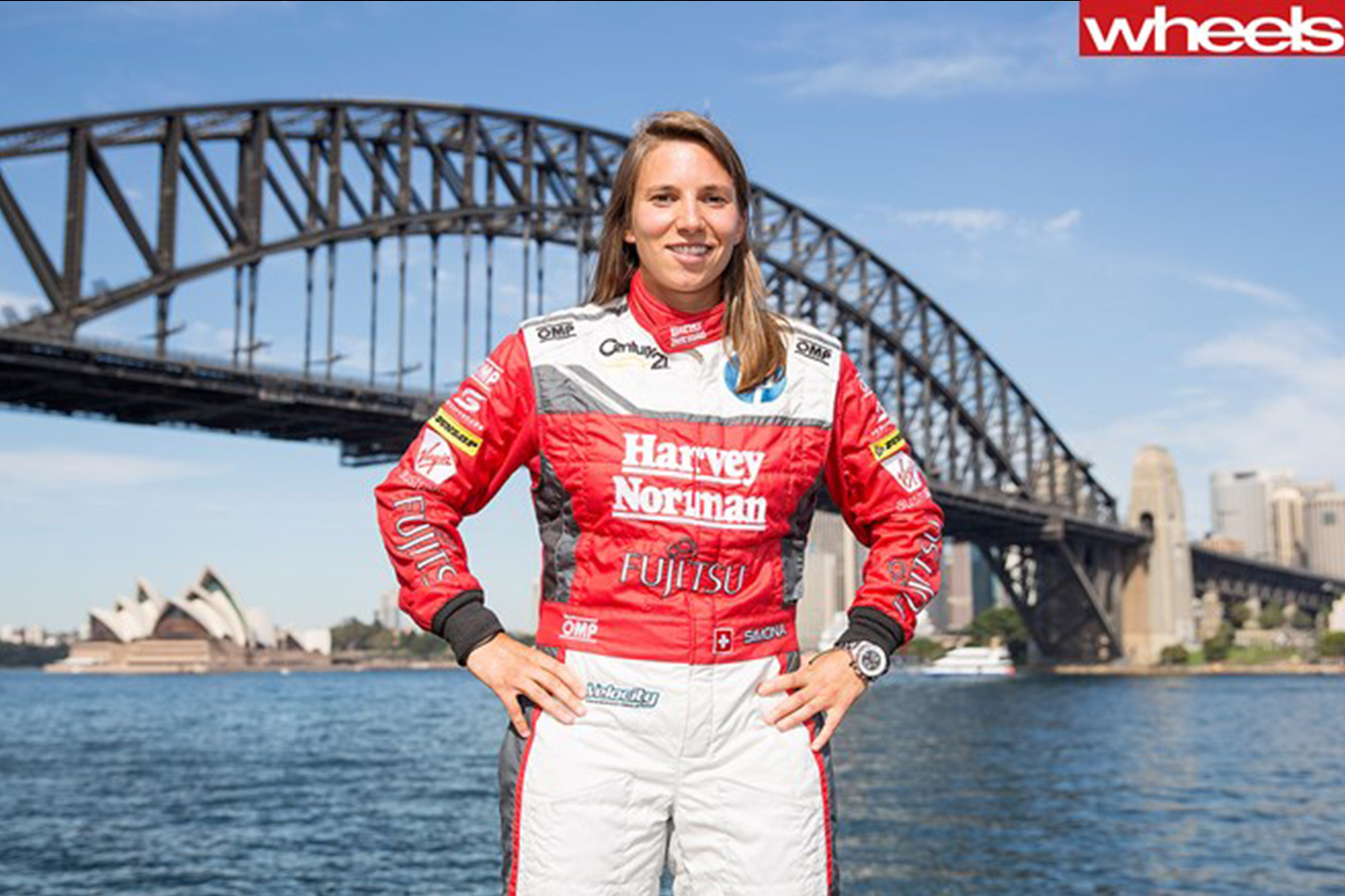 De -Silvestro -signs -for -Nissan -Supercars