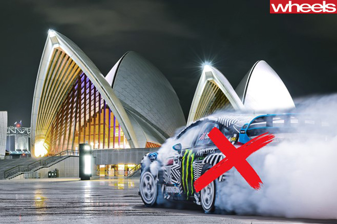 Ken -Block -performing -burnout -sydney -opera -house