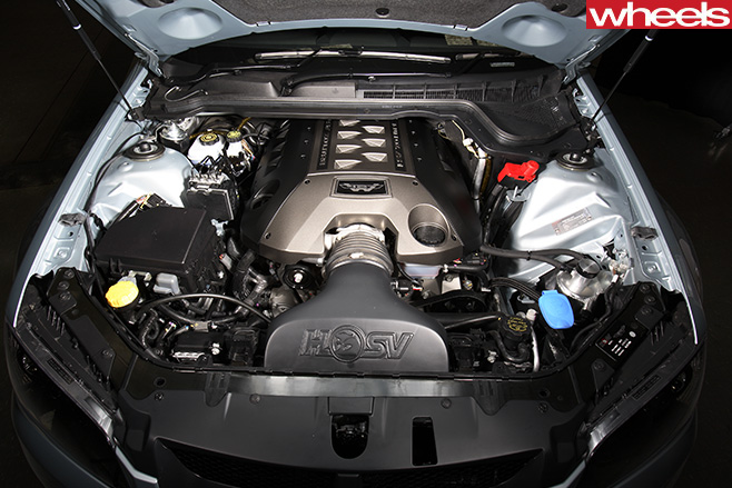 2008-HSV-W427-engine