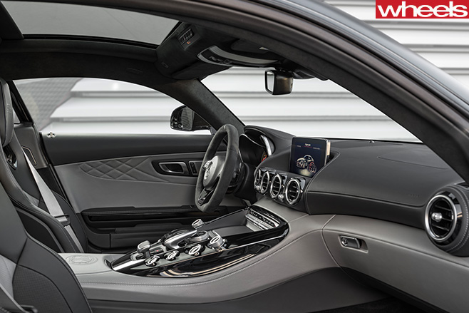 Mercedes -AMG-GT-C-interior