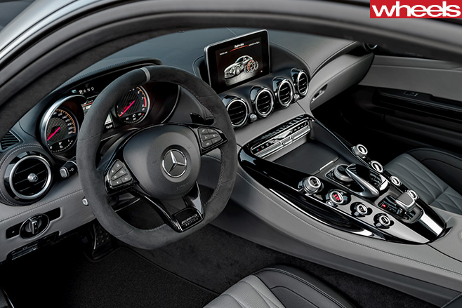 Mercedes -AMG-GT-C-interior -dashboard