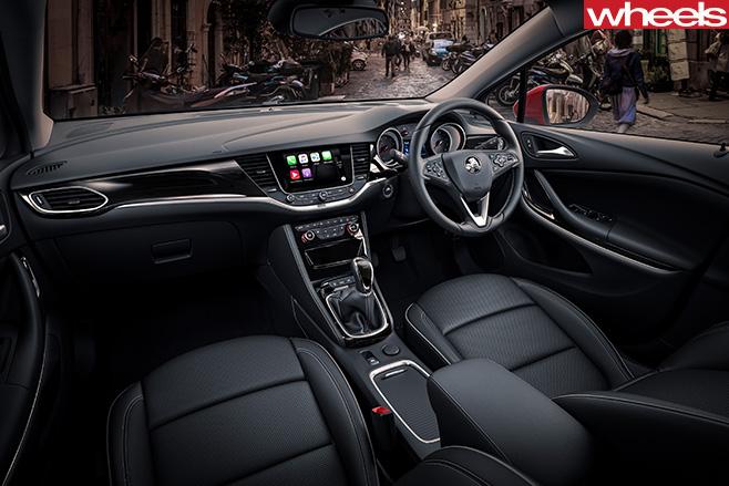 2016-Holden -Astra -interior