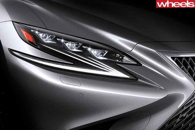 2017-Lexus -LS-headlight