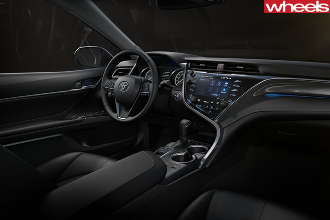 2018-Toyota -Camry -driving -interior