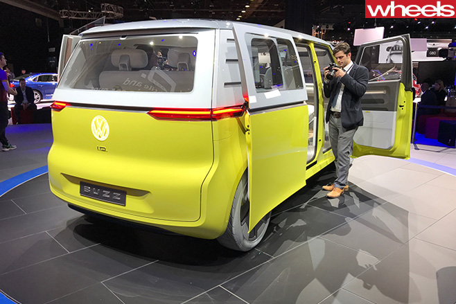 2018 volkswagen id buzz. interesting buzz volkswagen idbuzz van rear and 2018 volkswagen id buzz