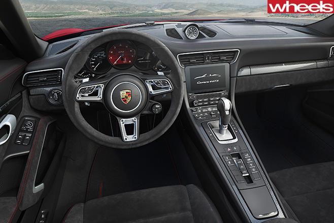Porsche -911-GTS-interior