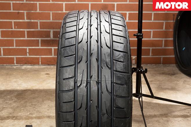 Dunlop direzza tyres