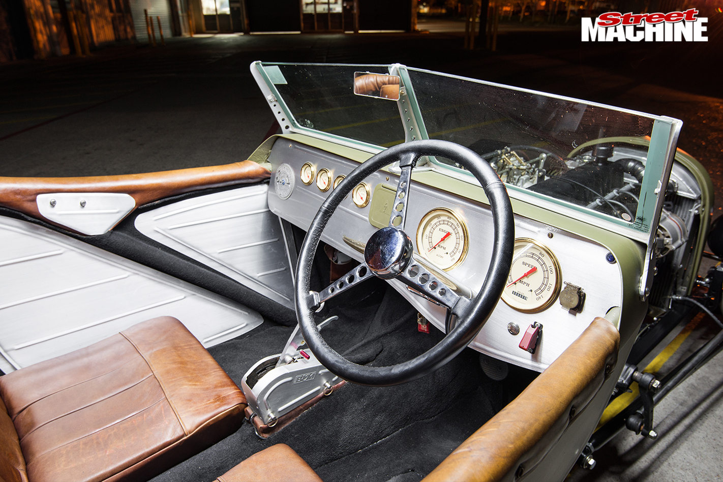 Ford -Model -T-roadster -interior